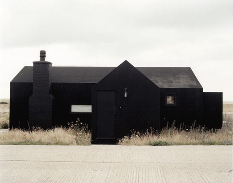 Darker than black blacker than hate czarne domy i for Images of black houses