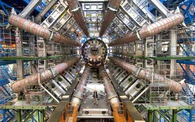 Εκπλήξεις από το CERN, για «τον δομικό λίθο» του σύμπαντος