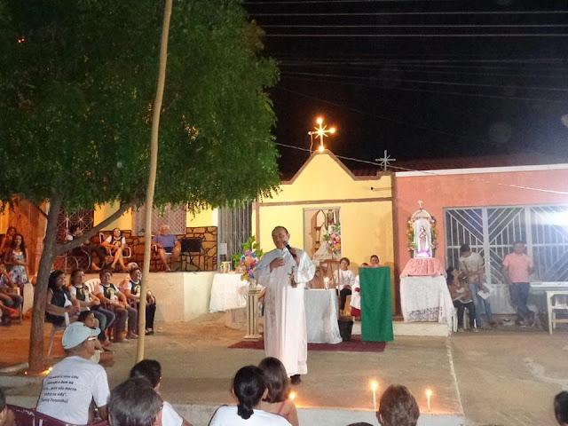 PADRE BETO CELEBRA MISSA EM LIMA CAMPOS