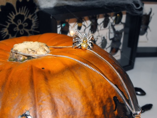 FashionFake, style blog, fashion blog, Wonsuponatimes jewellery, Halloween party, bloggers
