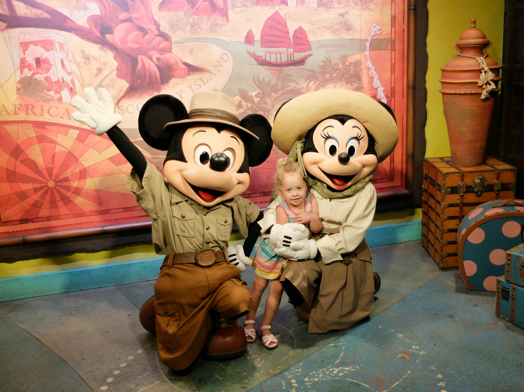 Walt Disney World, Animal Kingdom, Safaria Mickey and Minnie Mouse, meet and greet