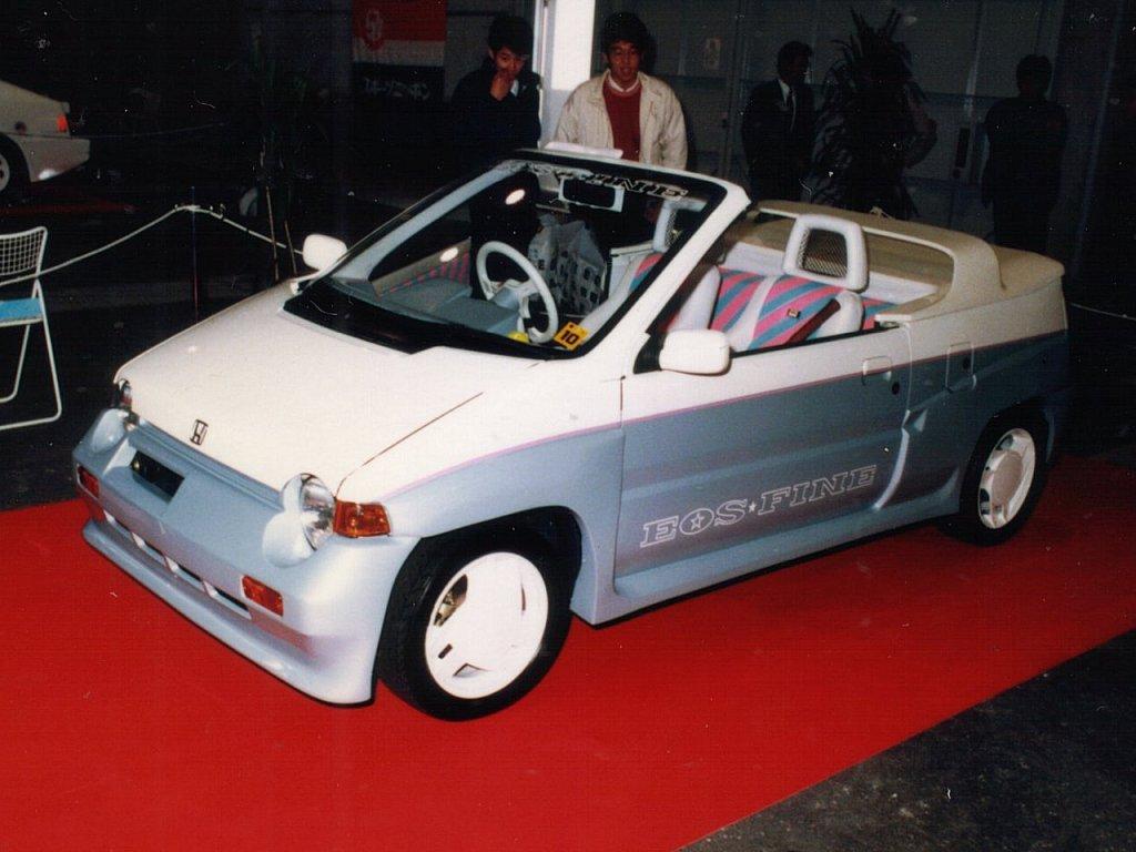 Honda Today kabriolet, bez dachu, modyfikacja, przeróbka, konwersja, targi, mały samochód, cabrio, convertible