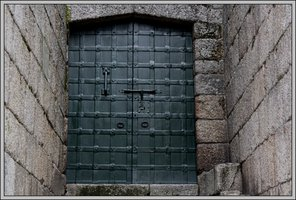 Locked door to secrets D18