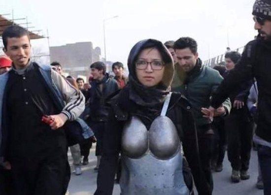 Kubra Khademi, 27
