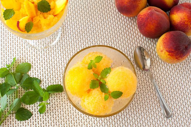 Граните с персиками