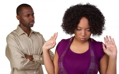 man-and-woman-fighting-black - 5 Things Couples Should Never Do !!!!