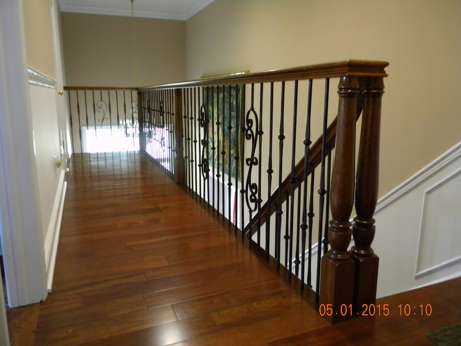 Bon Wood Stairs And Rails And Iron Balusters