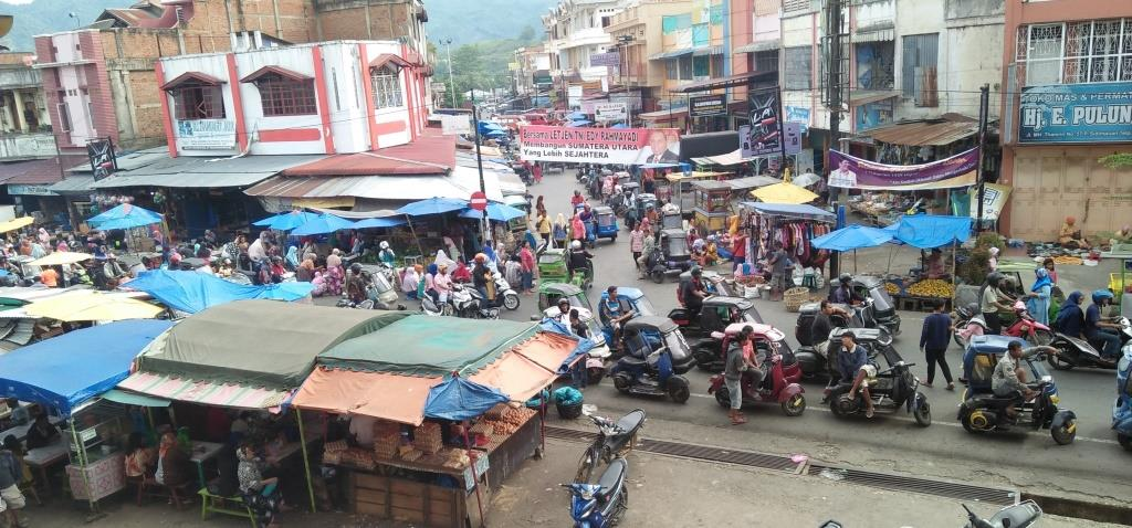 PERDAGANGAN- Aktivitas Perdagangan di Pasar Sakumpal Bonang Kota Padangsidimpuan