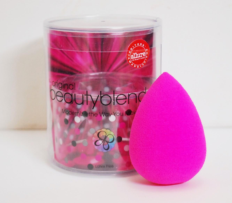 Peachy Pink Sisters What I Love Makeup Blending Sponges Egg Drop Beauty Blender Contouring Sponge Dsc 0360