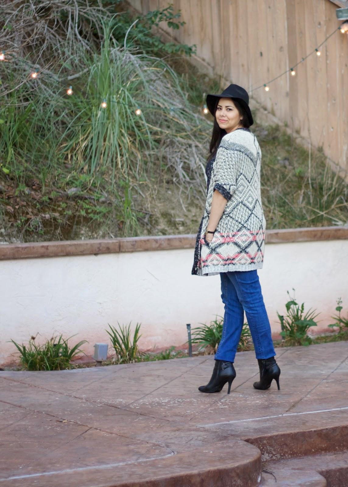New Bohemian Outfit, boho outfit 2015, california blogger, best of san diego, best of san diego bloggers, transitional outfit, black knits, red stitched sweater, #CAbiscoop