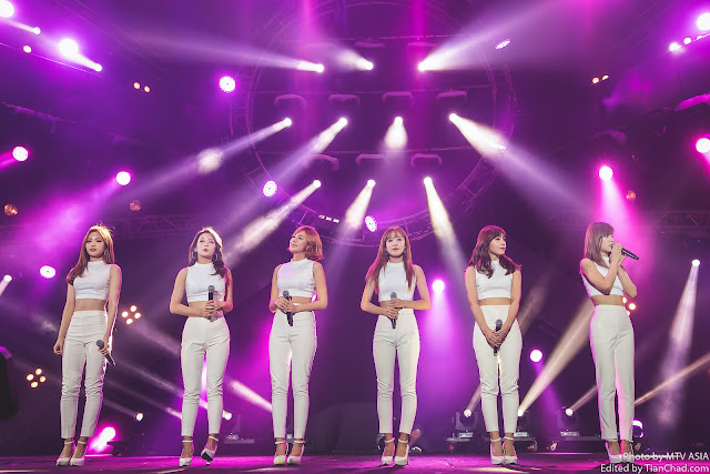 Apink performing at MTV World Stage Malaysia 2015 on 12 Sep (Credit - MTV Asia & Aloysius Lim)