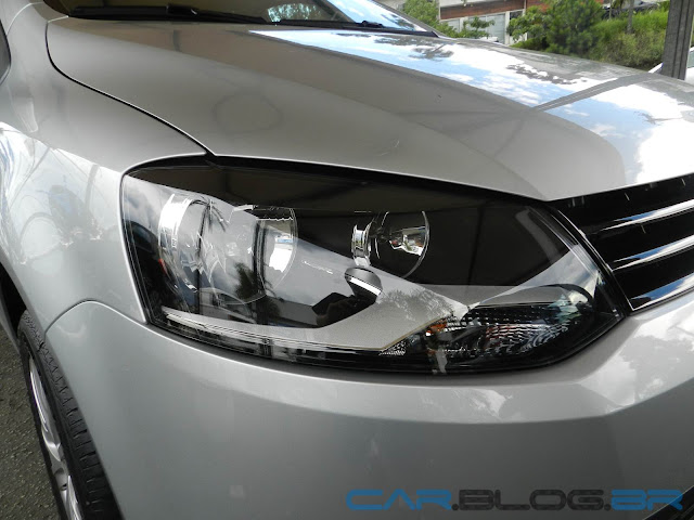 VW Fox 1.0 2013 - Trend - Prata Sargas - faróis máscara negra