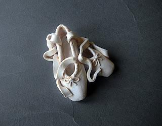 soprammobili oggetti artigianali bomboniera regali compleanno scarpette ballerina orme magiche