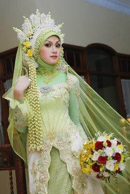 Labels: baju batik pengantin , baju pengantin