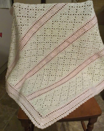 Delicate Baby Girl Baby Blanket - Free Pattern
