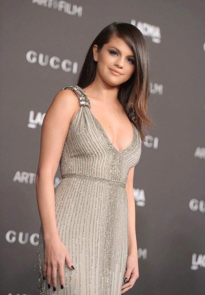 Selena Gomez latest Hot Photos