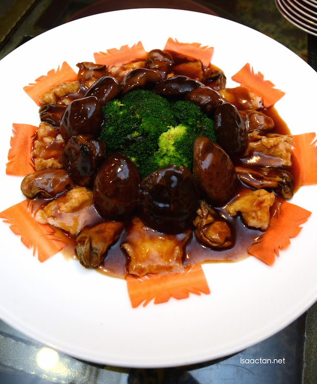 Sea cucumber, broccoli and dried oyster sensation