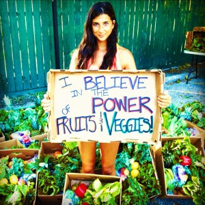 Find out how her Eyes changed by a Raw Diet