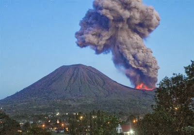 INDONESIAN MT. SINABUNG ERUPTS: