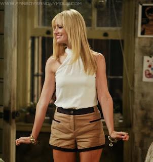 2 Broke Girls Beth Behrs Ass Legs Caroline Channing Sexy