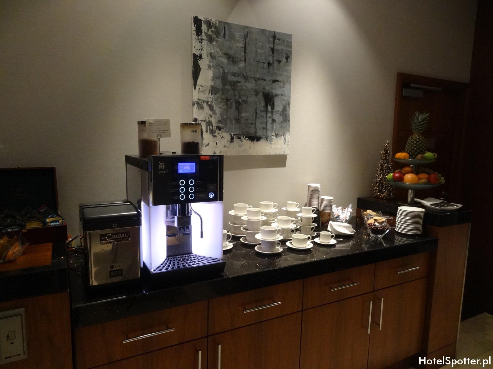 Executive Lounge w Hilton Warsaw - kawa i herbata