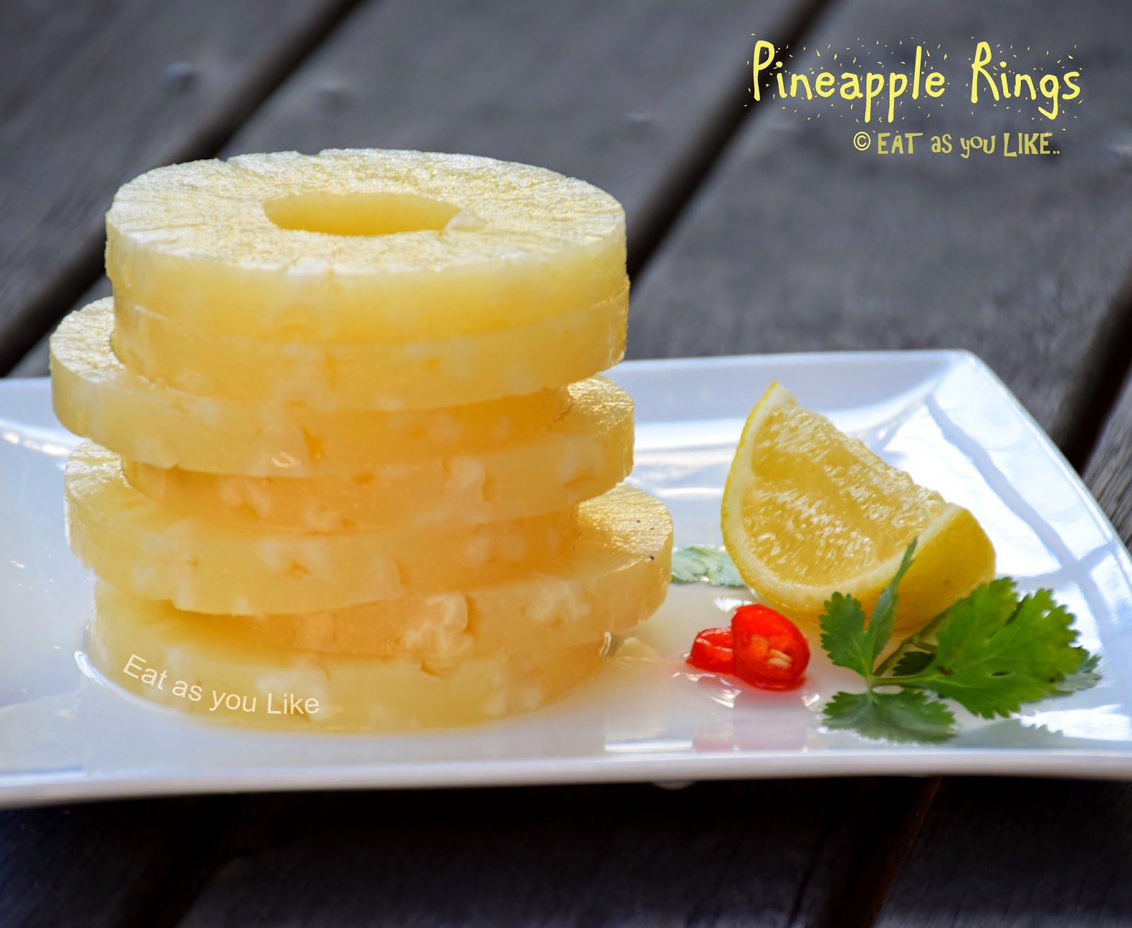 how to cut a whole pineapple into rings