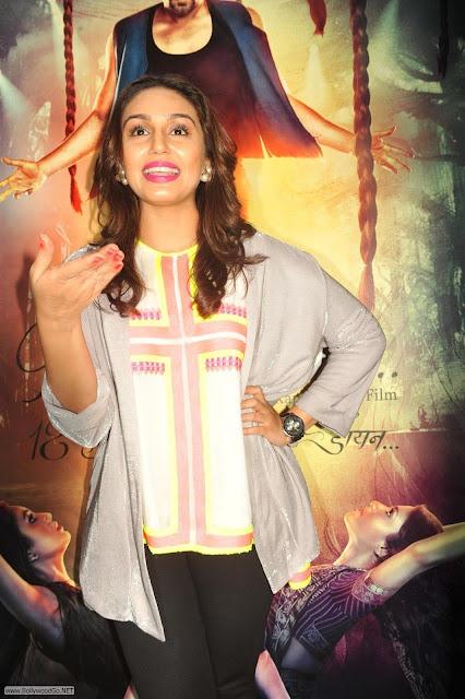 Huma+Qureshi-Konkona+Sen+Sharma+Ekta+kapoor+at+Ek+Thi+Dayaana+Movie+(3)