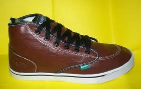 Sepatu Kickers - Model Peria