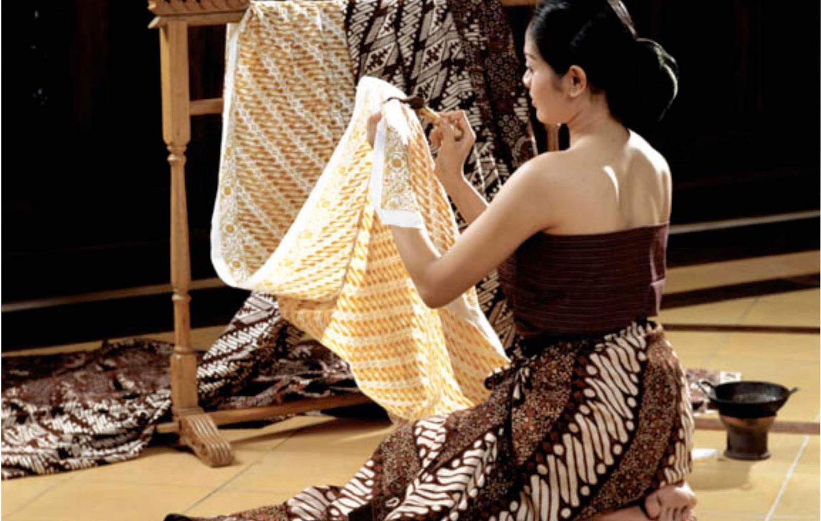 Batik is known the world over as a traditional form of clothing, which has motifs that represent Indonesia | Google Images