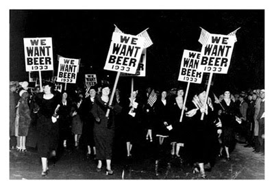 http://frenchie-pop.blogspot.fr/2013/04/anti-prohibition-protest-we-want-beer.html