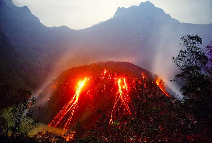 Gunung Kelud Meletus Terbaru dan Terkini 2014