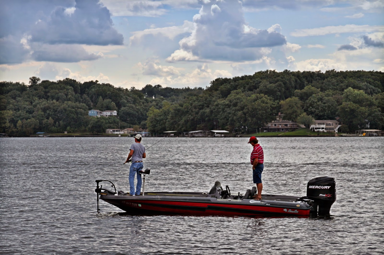 Bombay boat rental fishing at the lake of the ozarks for Crappie fishing lake of the ozarks