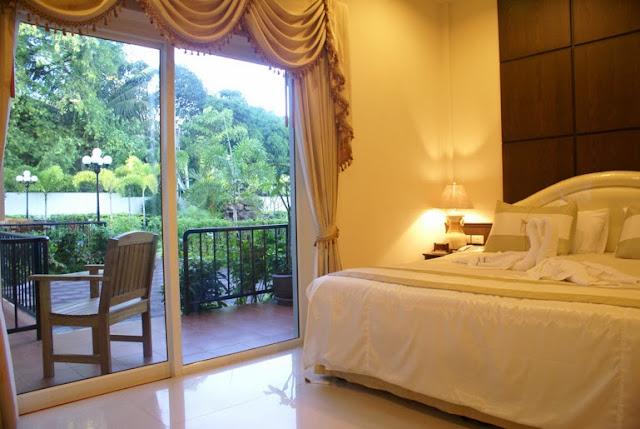 Deluxe Room Serene Sands Pattaya