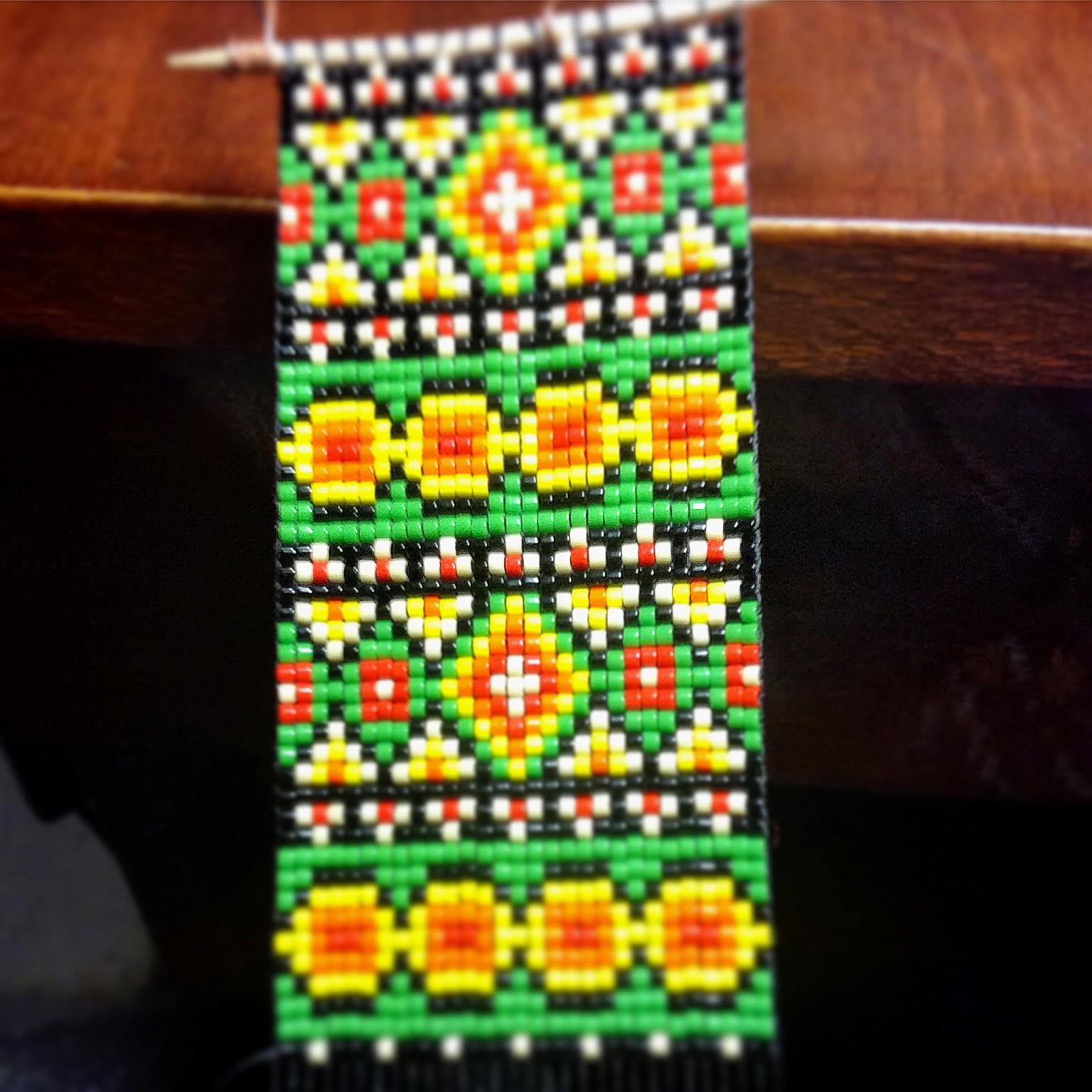 Браслет из бисера - станочное ткачество