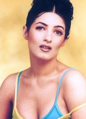 eBartha: Bollywood Hot Actress Twinkle Khanna hot Images
