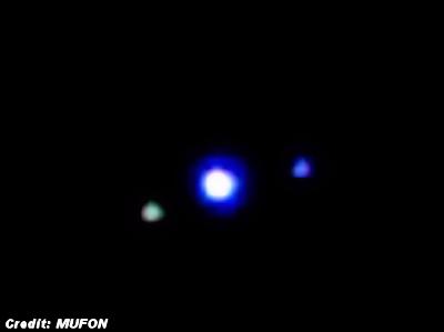 'Shape Shifting' UFOs Videotaped Over Massachusetts Skies 10-14-14