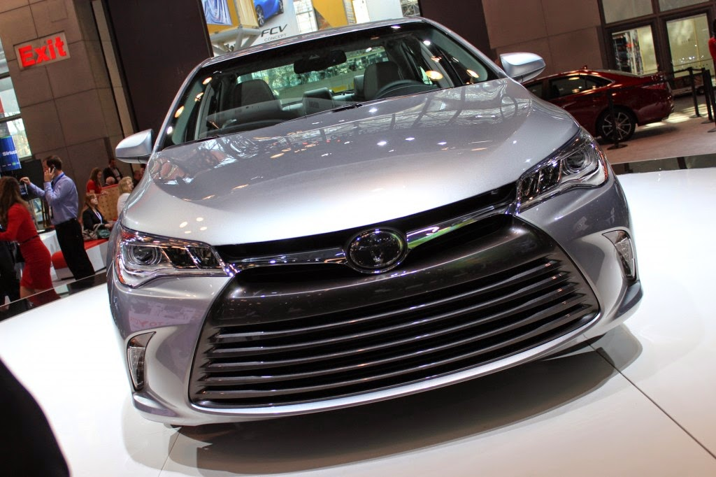 Toyota Camry 2015 Review