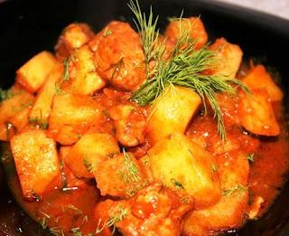 Тушеное мясо с картофелем и овощами
