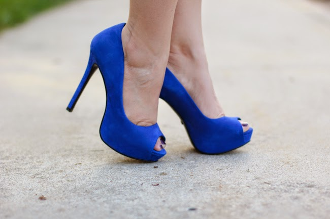 schutz blue peep toe pumps