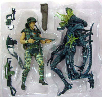 NECA Aliens 2-Pack Hicks vs Blue Alien Warrior Figures