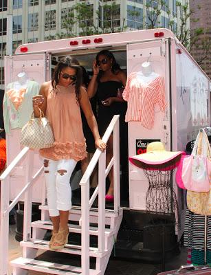camiones de venta de ropa de moda
