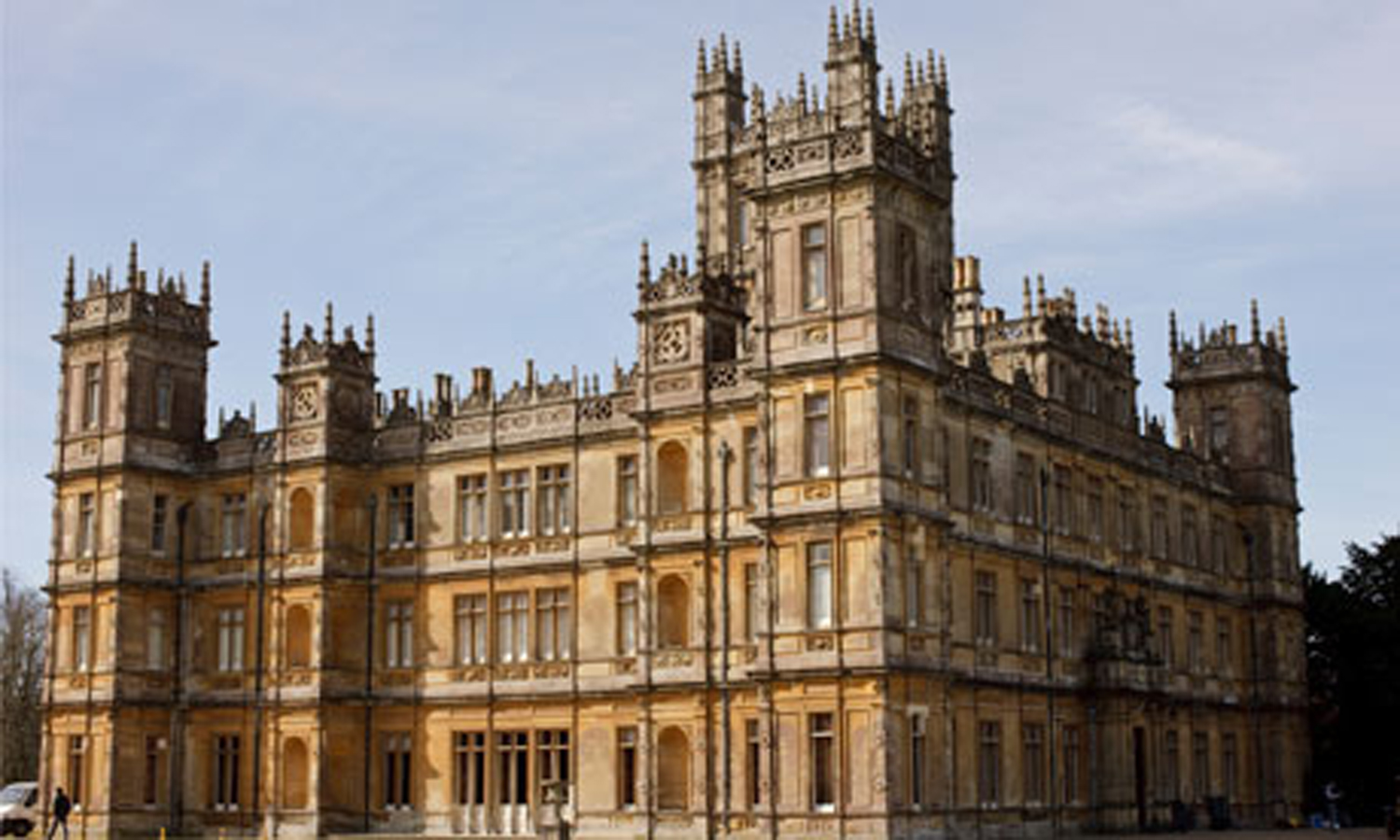 Halcyon days downton abbey marathon - Downton abbey chateau ...