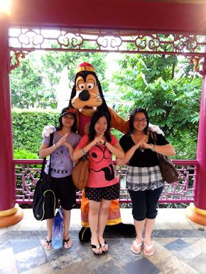 Hong Kong Disneyland Goofy Meet and Greet
