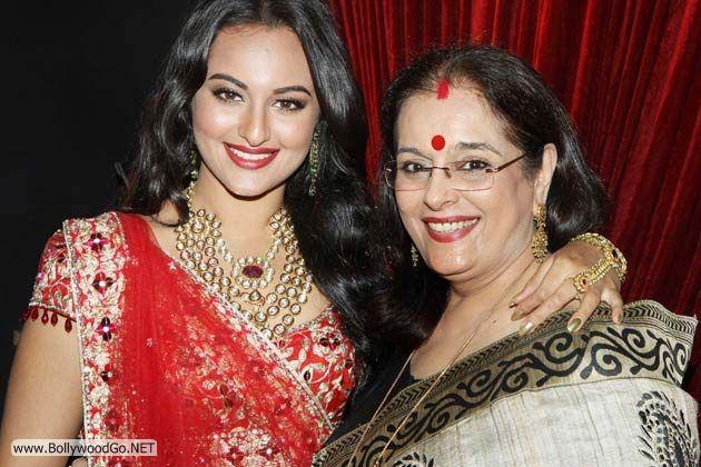 Sonakshi+Sinha%27s+mother+Poonam