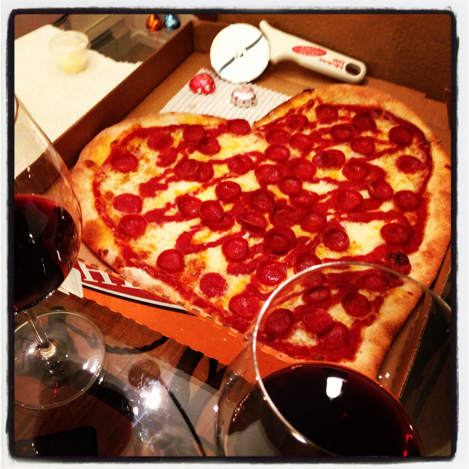 this food is my jam: heart shaped pizza - happy valentine's day, Ideas