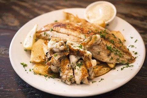 Grilled fish with chips