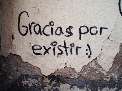 http://4.bp.blogspot.com/-ofwulXEUERU/Tyl2vza4iRI/AAAAAAAAFSM/KkmsKD-TOHY/s400/Muralla,+Calle+Las+cercas+2.jpg