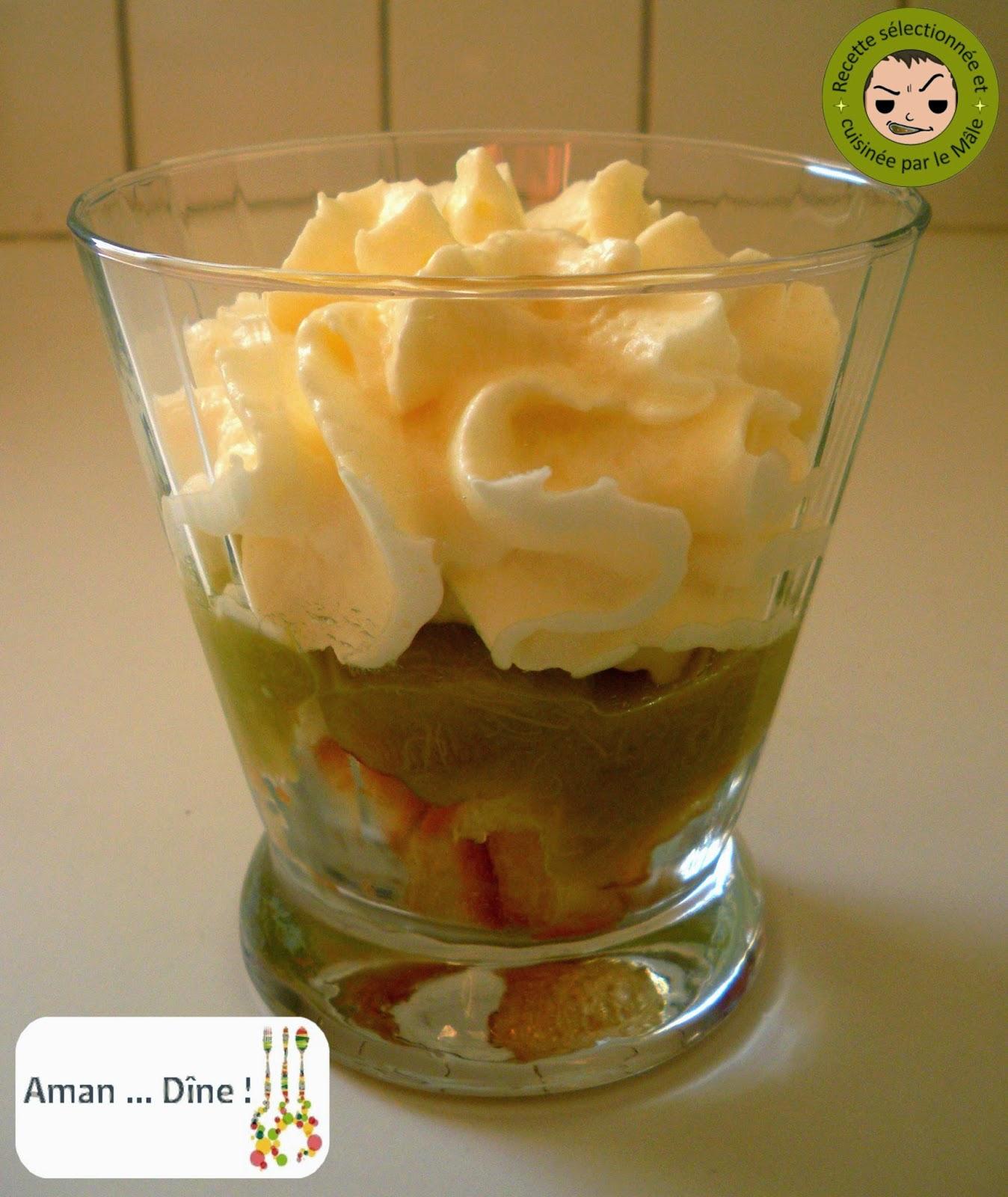 Trifle à la rhubarbe et au chocolat blanc