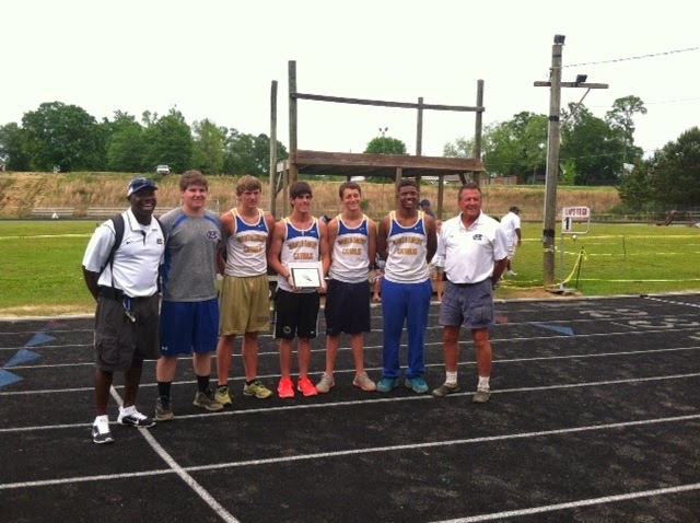 Racing Knights Sprint to State Meet 1