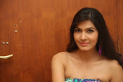 Actress Sangeetha latest sizzling photos-thumbnail-6
